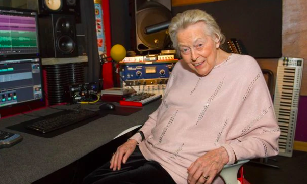 'Music takes her back to her happy place': A woman with dementia is lighting up the pop charts with a pitch-perfect tune