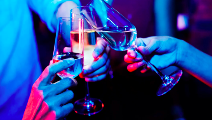Super-Rich Men Go to 'Bottle War' in Nightclubs. Champagne—and Models—Are Their Weapons.