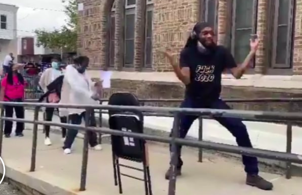 PHILLY VOTERS BUST OUT LINE DANCE … During Long Poll Lines