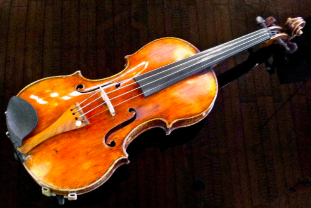 Rare Violin Tests Germany's Commitment to Atone for Its Nazi Past