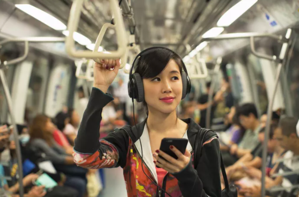 How Listening to Music Can Have Psychological Benefits