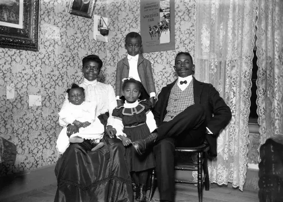 How Black Americans used portraits and family photographs to defy stereotypes