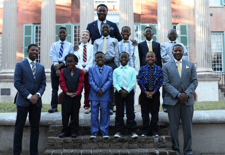 """No Dad at Home – Teacher creates """"Gentleman's Club"""" to teach life lessons to boys"""
