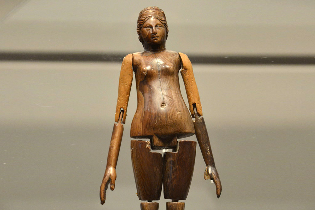 Girls and Dolls in the Roman Empire