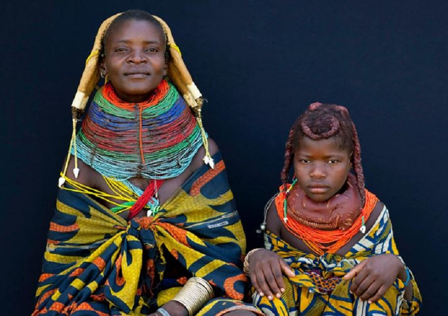 Meet the Mwila people of Angola whose women cover their hair with cow dung